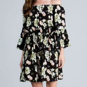 Sale 4/$30 Miracle Berry Floral Bell Sleeve Dress